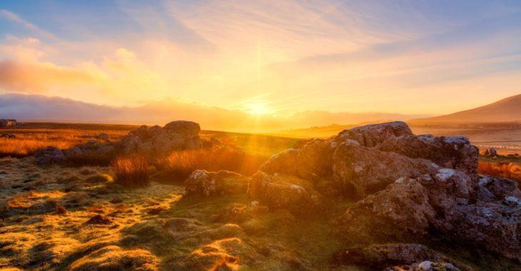 Explore panoramic views across the Yorkshire Dales